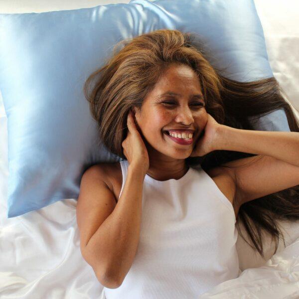 light blue mulberry silk pillowcases